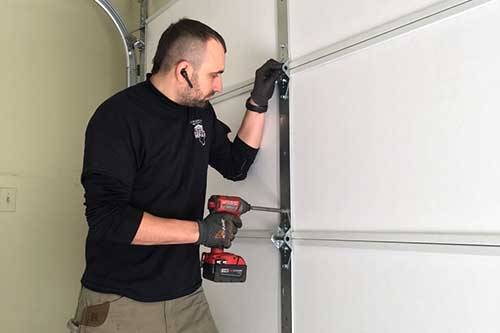 Garage Door Technician in Crystal Lake, IL
