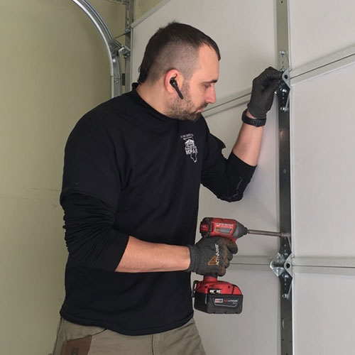 Garage door repair service in Plainfield, IL area