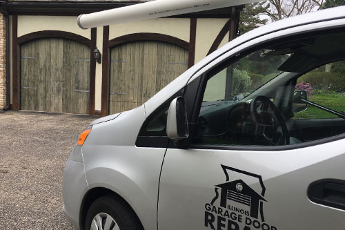 Residential garage door repair service in Lake Forest, IL
