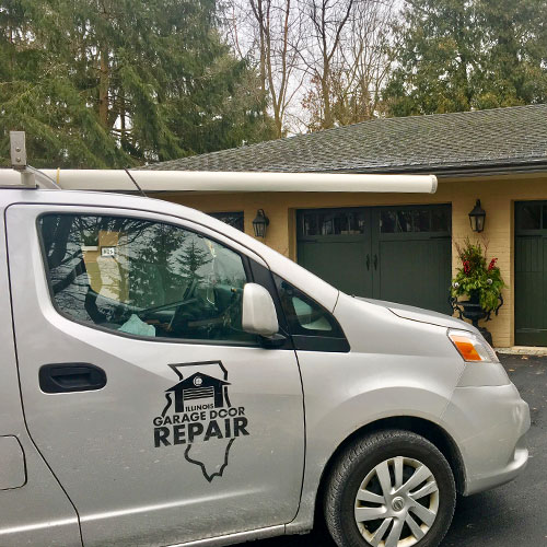 Garage door repair service in Carol Stream, IL area